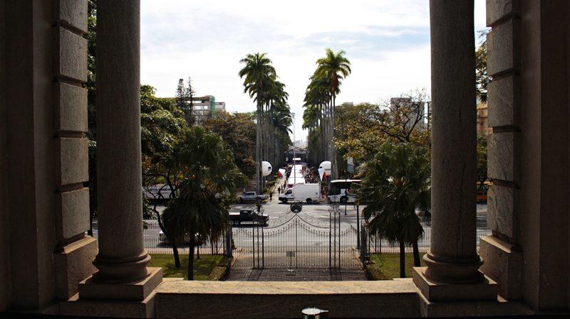 Praça da Liberdade, vista da sacada do Palácio da Liberdade durante visita guiada.