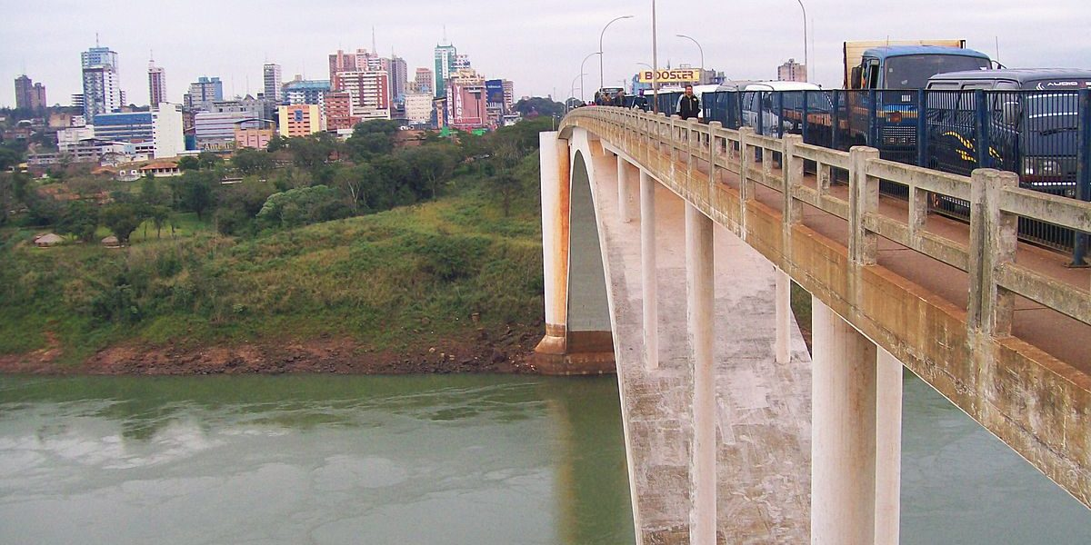 1200px-Ciudad_del_Este_puente_de_la_Amistad