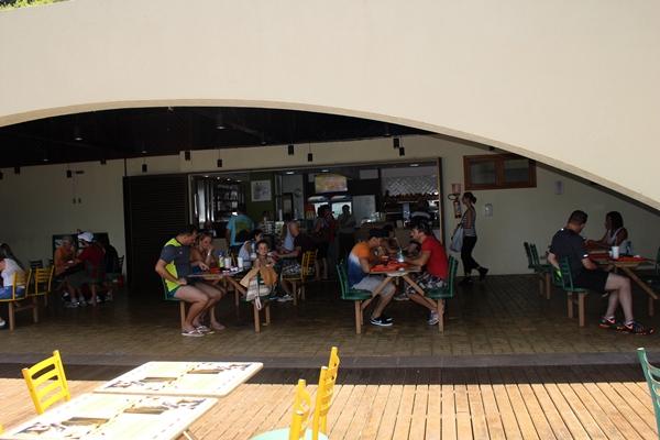 Lanchonete no Porto Canoas