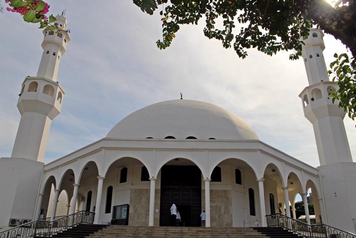 Foz do Iguaçu tem a segunda maior população islâmica do Brasil e a Mesquita Omar Ibn Al-Khatab.