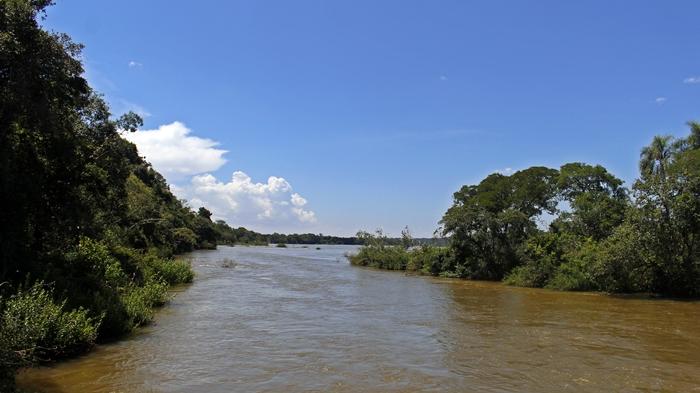 Vista do rio Iguaçu Superior, no começo da trilha