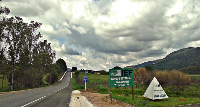 Esta foto é da entrada no sentido Cambuquira-Lamabri. É que a gente passou e teve que voltar.
