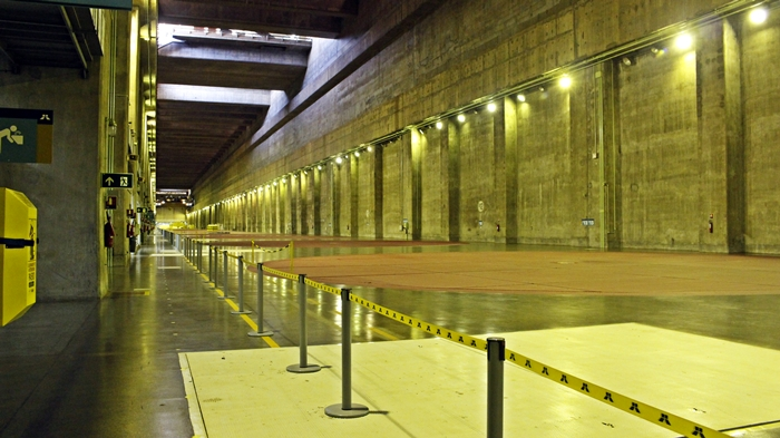 Interior da Usina de Itaipu Binacional.
