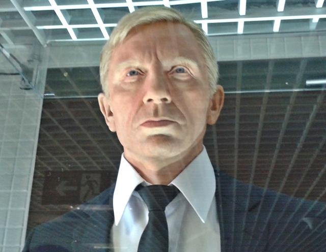 007 no aeroporto