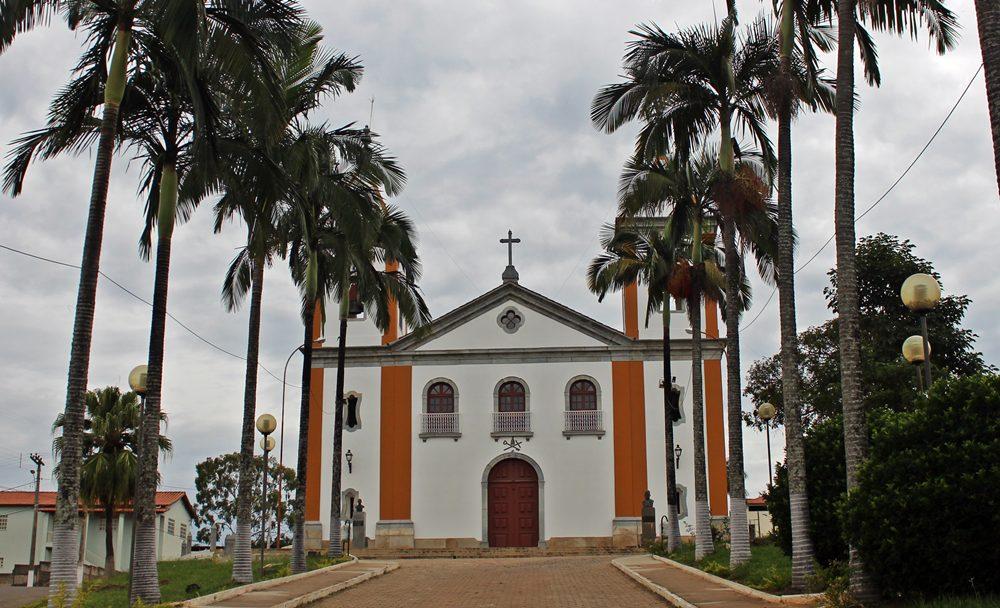 Igreja Matriz de Lagoa Dourada