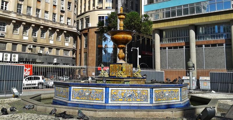 Chafariz na Praça Montevidéu