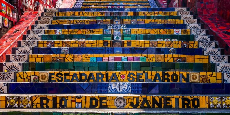 Escadaria Selarón – a escadaria mais colorida do Brasil