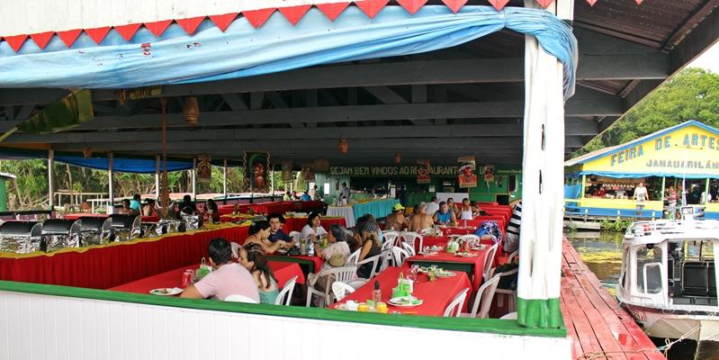 restaurante flutuante