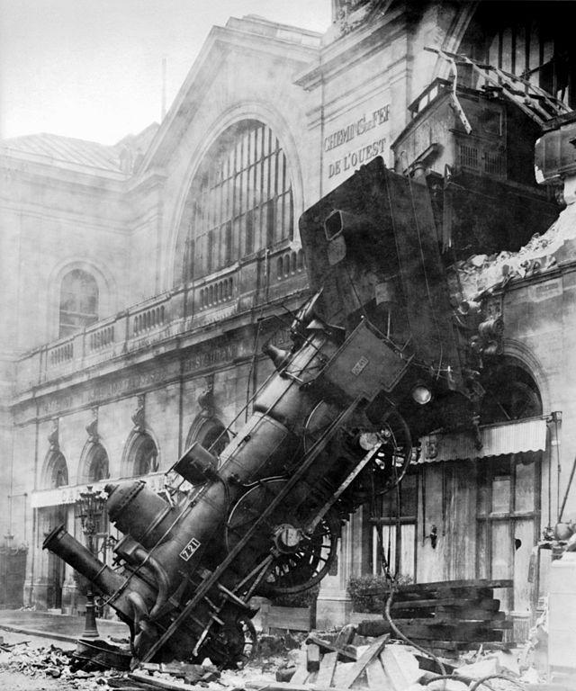 640px-Train_wreck_at_Montparnasse_1895