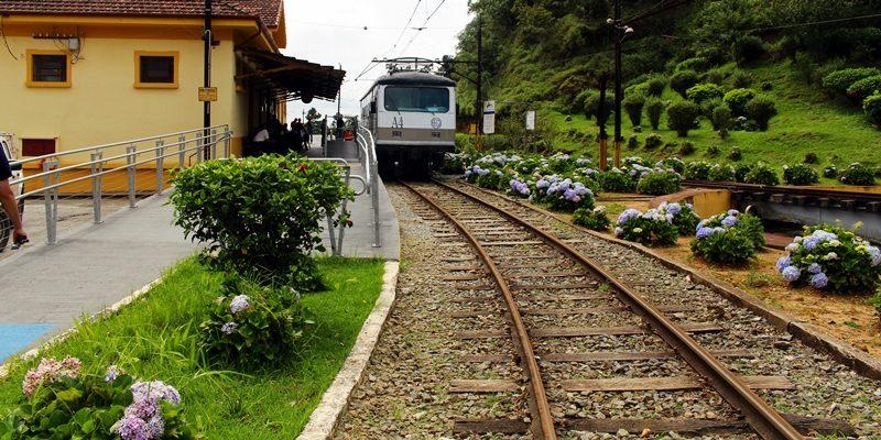 O passeio de trem de Campos do Jordão a Santo Antônio do Pinhal