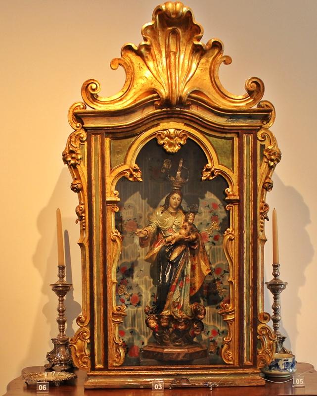 Oratórios de referência artística expostos no Museu do Oratório, em Ouro Preto.