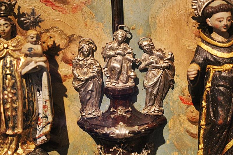 Oratório de Salão erudito exposto do Museu do Oratório, em Ouro Preto.