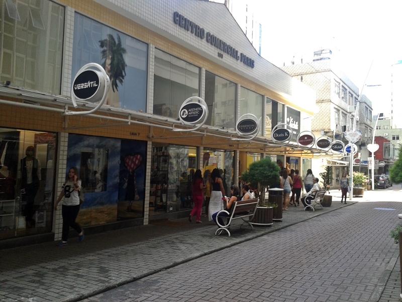 Rua Vidal Ramos, no centro histórico de Florianópolis