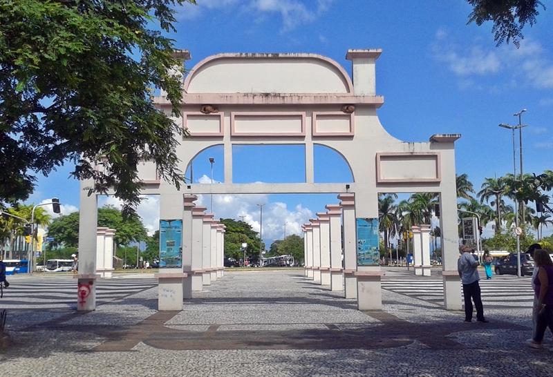 Praça Fernando Machado, no Centro Histórico de Florianópolis.