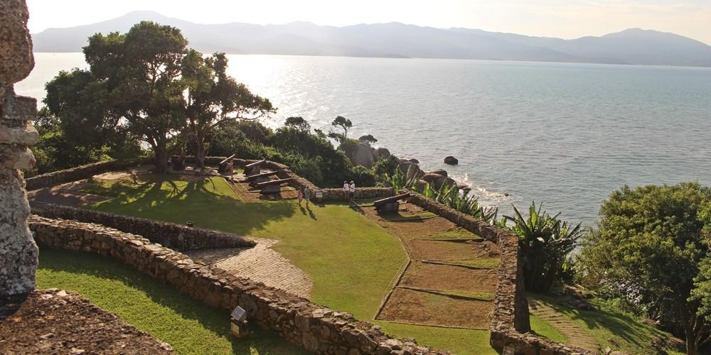 A linda Fortaleza de São José da Ponta Grossa, em Florianópolis