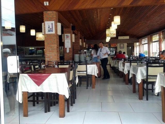 Restaurante Tomat's Grill, restaurante com buffet a quilo ou livre, em Canasvieiras, no norte de Florianópolis.