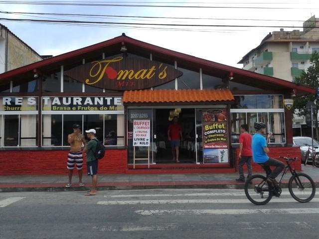 Restaurante Tomat's Grill, self service em Canasvieiras, norte de Florianópolis.