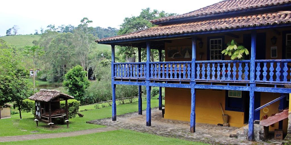 Hotel Fazenda Santa Marina, em Minas Gerais, uma fazenda do século XVIII.
