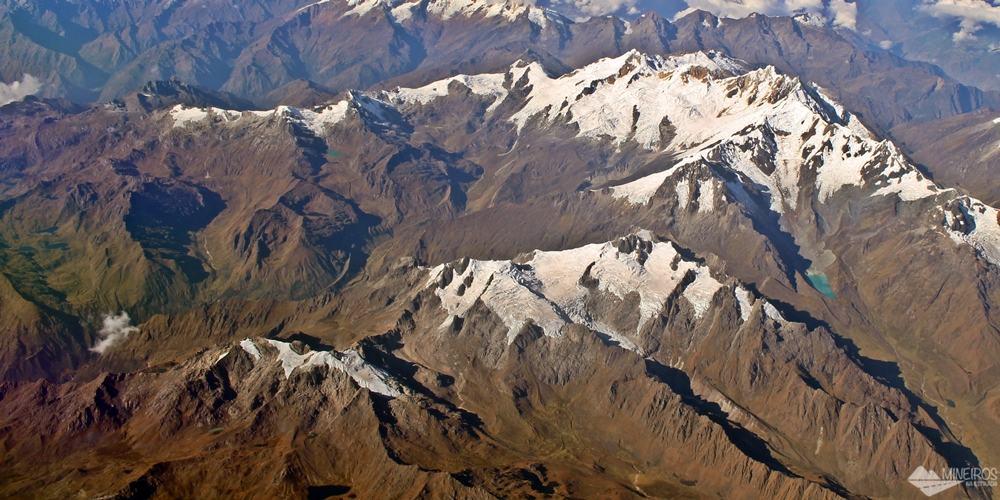Andes Peruanos da janela do avião