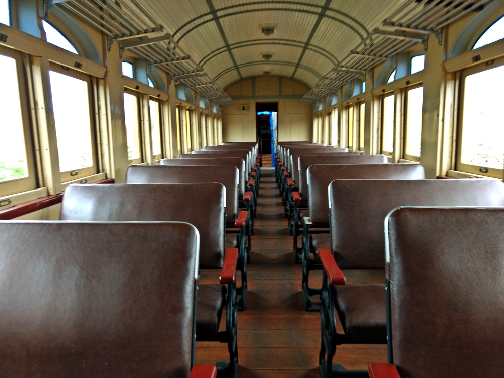 interior-do-trem