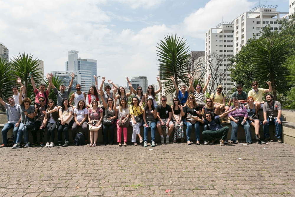 Blogueiros de viagem reunidos no MASP, no evento Vem pra Sampa, meu!