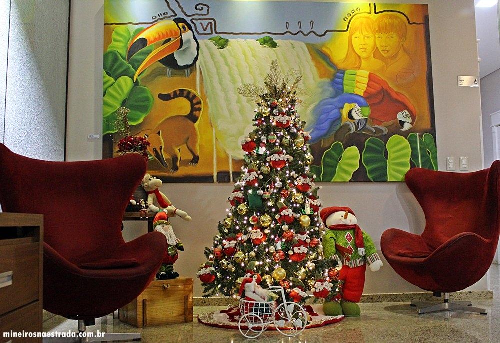 Hall decorado para o natal no Best Western Tarobá Hotel, uma excelente opção de hospedagem em Foz do Iguaçu.