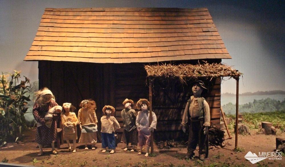 Representação de família camponesa, exposta no Ecomuseu de Itaipu Binacional.