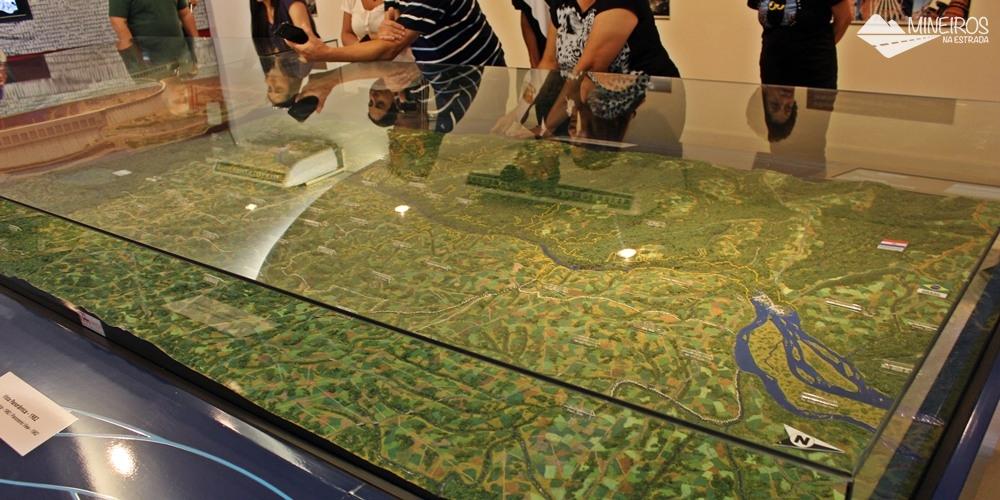 Maquete da consrtução de Itaipu Binacional, exposta no Ecomuseu.