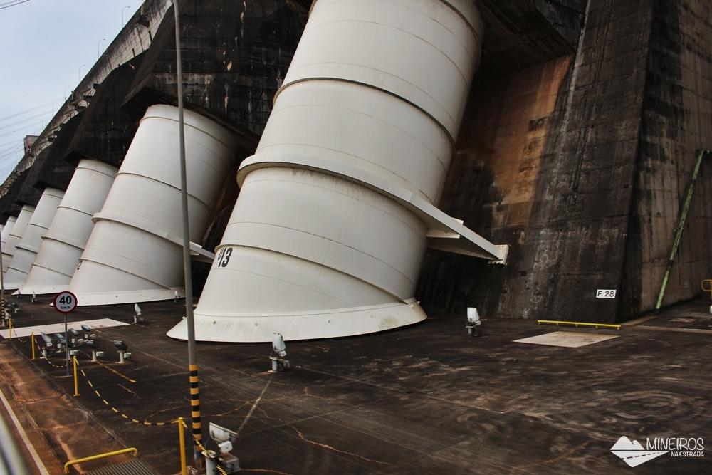 Unidades geradoras vistas durante a visita panorâmica à usina hidrelétrica de Itaipu Binacional, em Foz do Iguaçu.