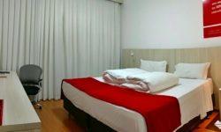 Como é se hospedar no Ramada Encore Minascasa, um hotel localizado na Avenida Cristiano Machado, em Belo Horizonte, que tem como proposta uma hospedagem essencial: o conforto necessário, sem luxos, a um preço acessível.