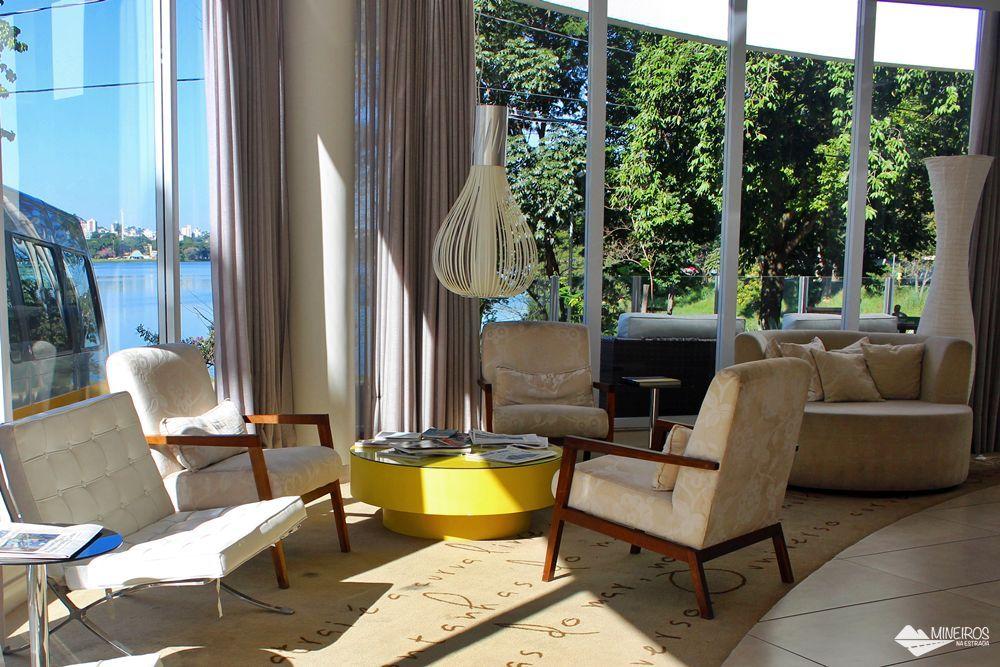 Recepção do Pampulha Design Hotel, um hotel localizado na orla da Lagoa da Pampulha, em Belo Horizonte.
