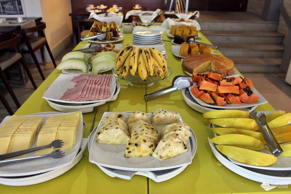 Café da manhã do Pampulha Design Hotel, um hotel localizado na orla da Lagoa da Pampulha, em Belo Horizonte.