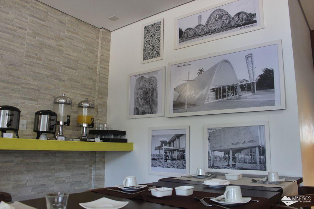 Salão onde é servido o café da manhã do Pampulha Design Hotel, um hotel localizado na orla da Lagoa da Pampulha, em Belo Horizonte.