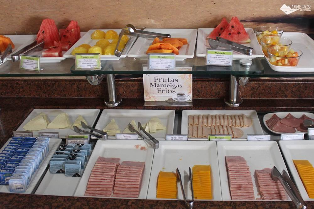 Café da manhã do Quality Suítes Vila Velha, na Praia da Costa (ES).