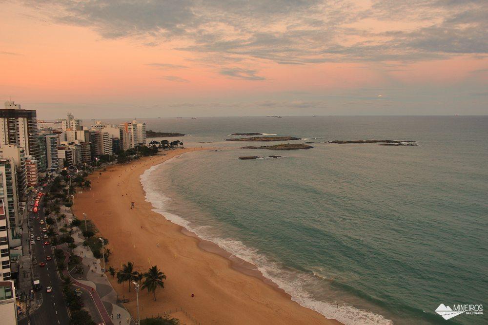 Entardecer na Praia da Costa, visto de um quarto luxo do Quality Suítes Vila Velha,
