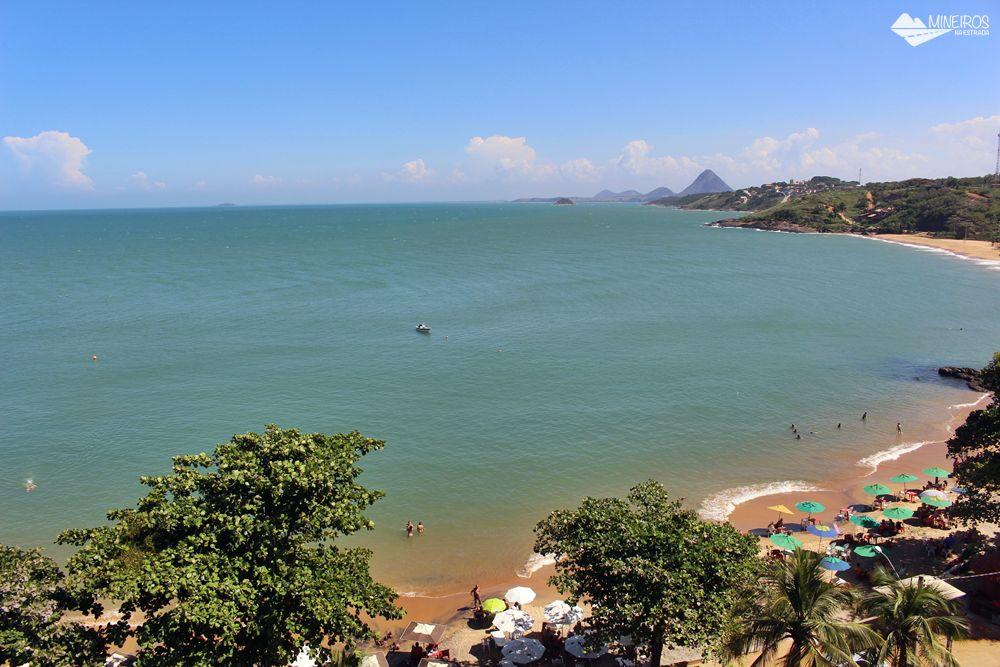 Praia da Areia Preta, vista do hotel Espadarte, em Iriri., município de Anchieta, Espírito Santo.