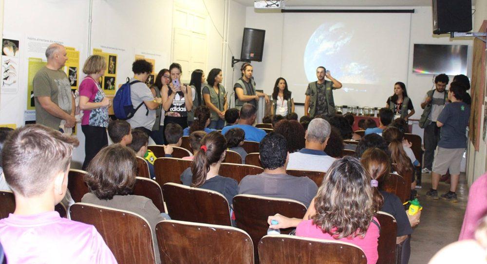 Apresentação no evento Lua Cheia no Museu, que acontece entre abril e setembro no Museu de História Natural da UFMG