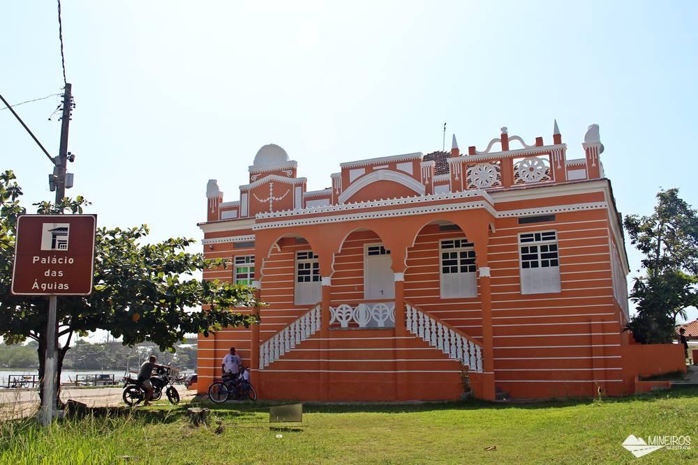 Palácio das Águias, atual biblioteca de Marataízes, sul do Espírito Santo.