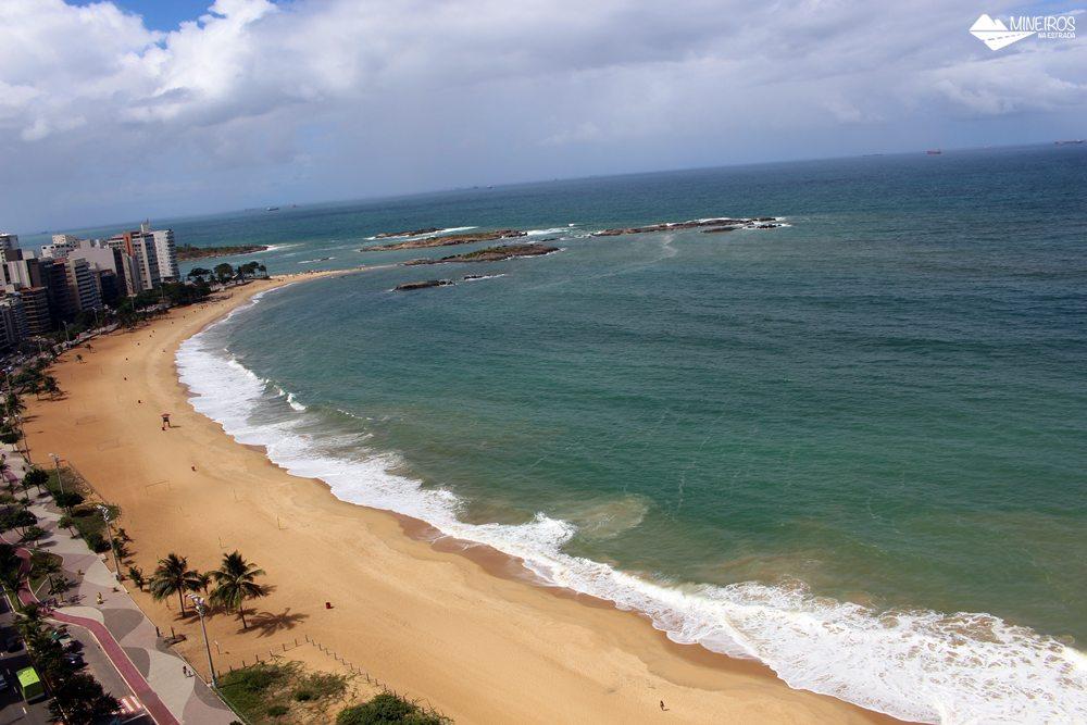 Vista da Praia da Costa, de um quarto luxo do Quality Suítes Vila Velha,