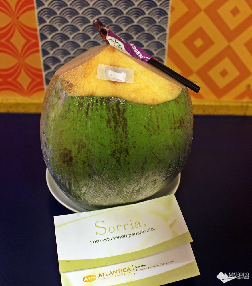 Água de coco, um mimo para os hóspedes do Quality Suítes Vila Velha.