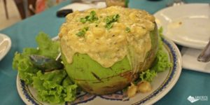 Vila Velha: O camarão no coco do Restaurante Atlântica