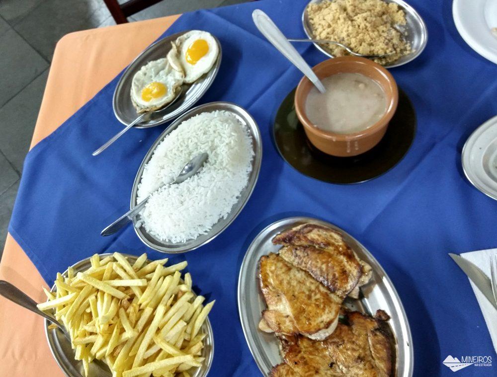 Comida caseira do Beija-Flor Restaurante e Pizzaria, em Itanhandu