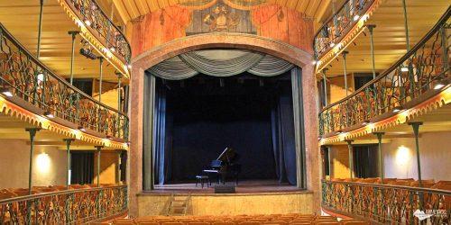 Visita ao Teatro Municipal de Ouro Preto, o mais antigo das Américas