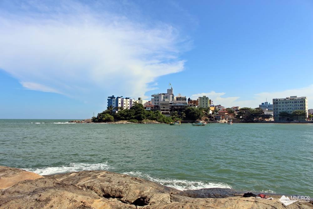 Vista do Restaurante Recanto da Pedra, em Iriri, município de Anchieta, Espírito Santo.