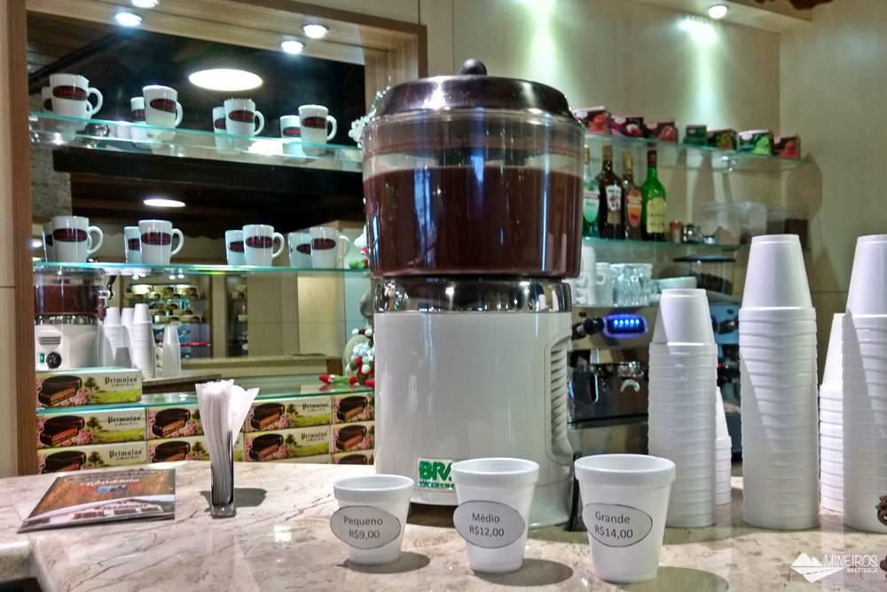 O chocolate quente da Gressoney pode ser consumido em três tamanhos.