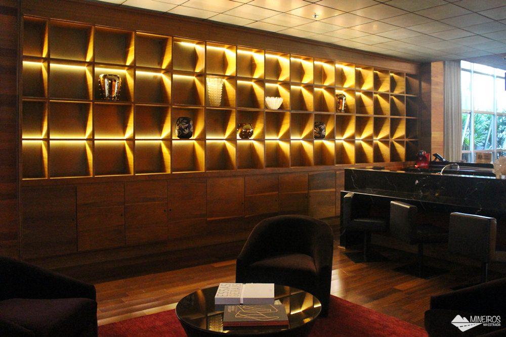 Scoth Bar do Clan Glass Business Tower Hotel, um hotel novo e confortável na região da Savassi, em Belo Horizonte.