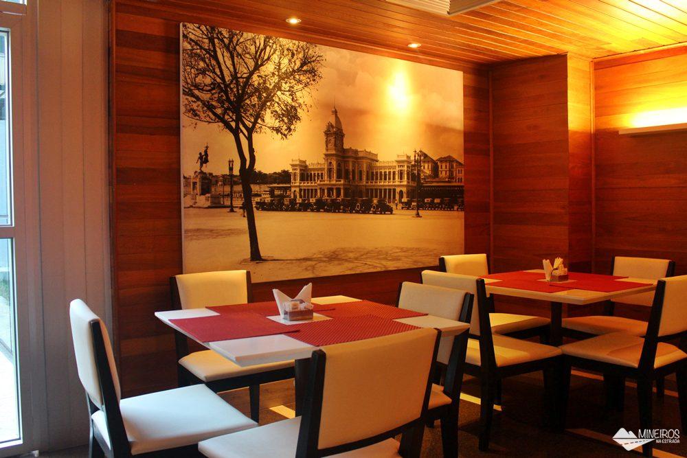 Restaurante do Clan Glass Business Tower Hotel, um hotel novo e confortável na região da Savassi, em Belo Horizonte.