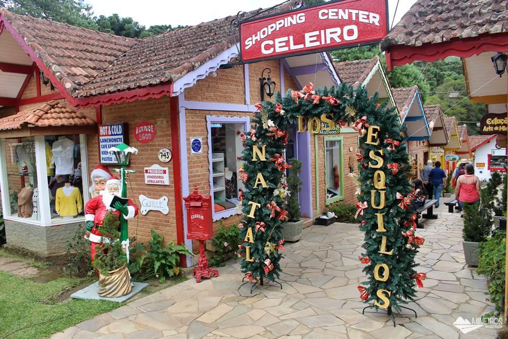 Shopping Celeiro, uma galeria comercial em Monte Verde, famosa por ter esquilos como visitantes.