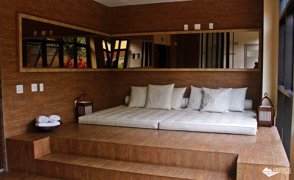 Área para descanso no Radisson Blu Belo Horizonte, um hotel bem localizado, na região da Savassi.