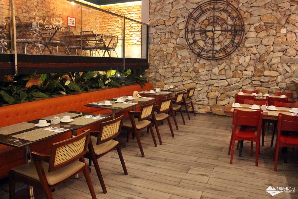 Restaurante Olégário, no Radisson Blu Belo Horizonte, um hotel bem localizado, na região da Savassi.